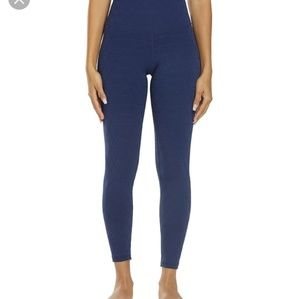 EUC DYI Navy Quilted Legging